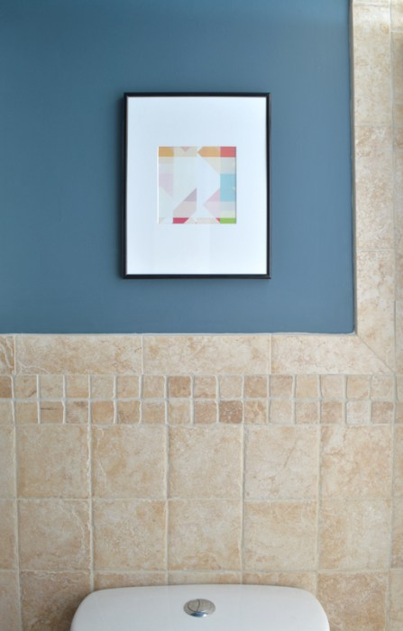 Inexpensive printable art in the bathroom -- Plaster & Disaster