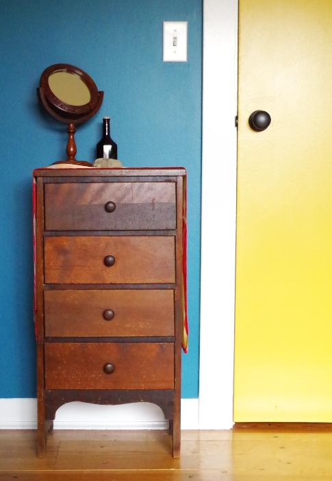 Furniture Makeover - Before - Plaster & Disaster