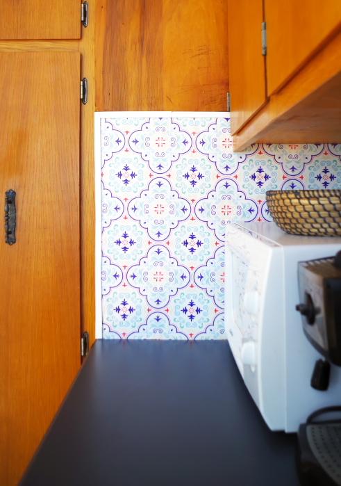 Temporary Backsplash Using Renters Wallpaper Plaster Disaster
