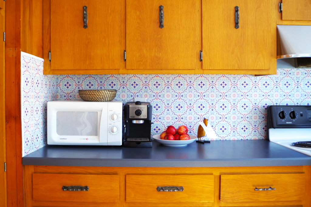 Temporary Backsplash Ideas Part - 28: Temporary Backsplash Using Renters Wallpaper - Plaster U0026 Disaster