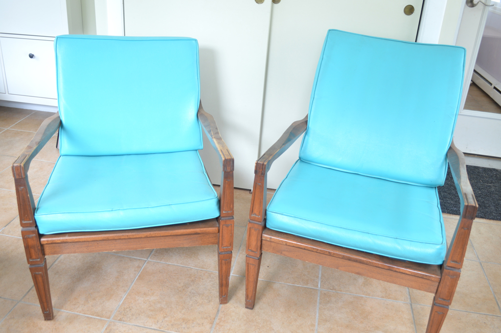 Restoring a mid century chair -- Plaster & Disaster