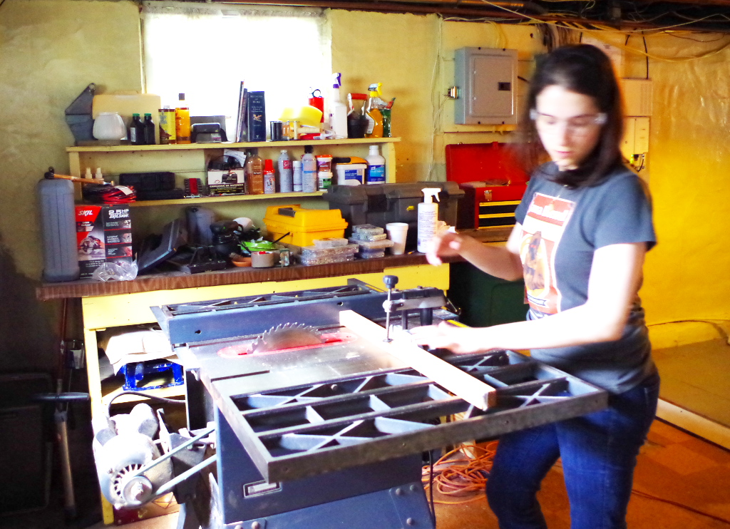 Making a Table From Scratch - Using a Table Saw - Plaster & Disaster