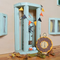 Dollhouse halloween -- Plaster & Disaster