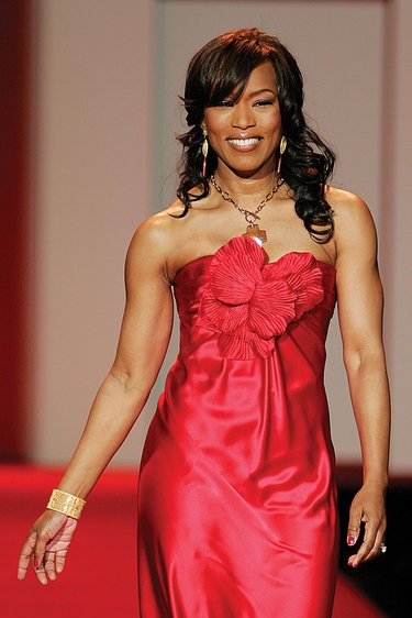 Angela Bassett Plastic Surgery : Breast Butt Nose Chin Lips