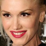 Gwen Stefani Plastic Surgery – Obvious Nose & Boob Job