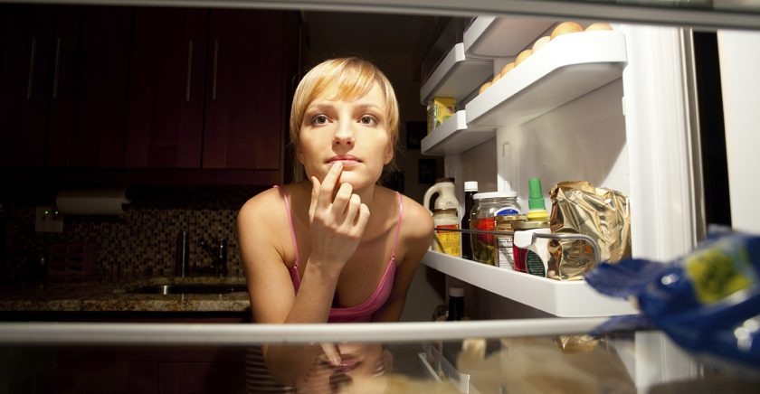 what-you-should-never-eat-before-bedtime-and-why