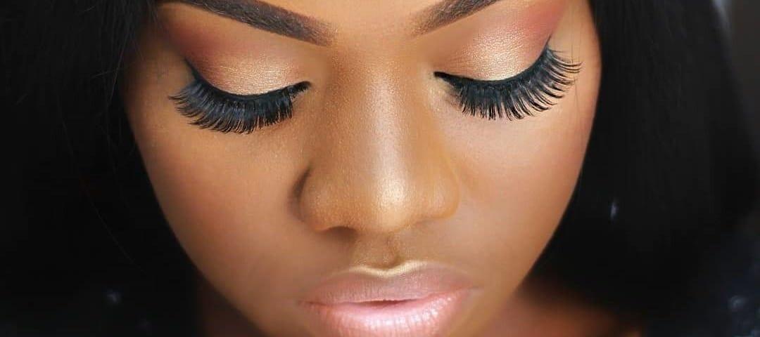 10-basic-hacks-to-applying-false-eyelashes-like-a-pro