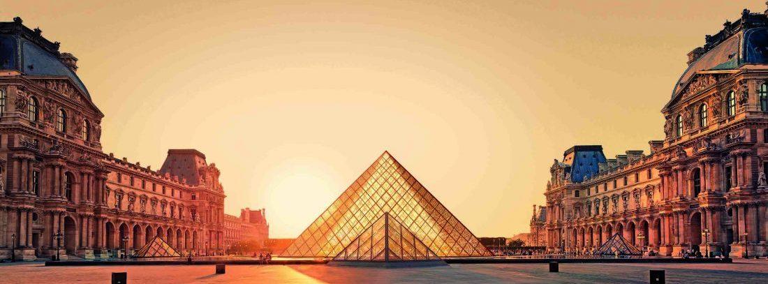 The Louvre museum visitors drop