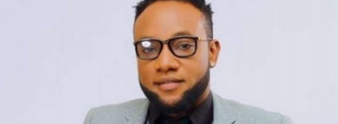 Kcee Posts A Photo Of His Son, A Week After Birth