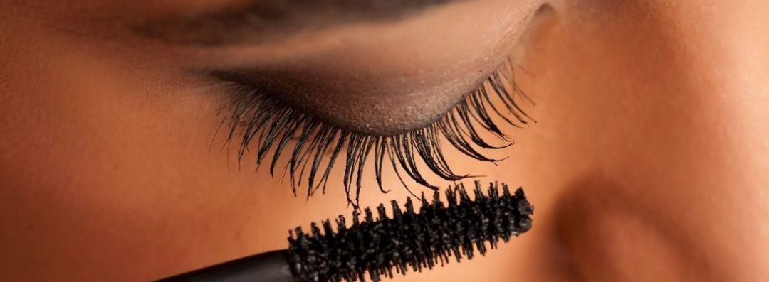 Six Natural Ways To Grow Long And Stronger Eyelashes