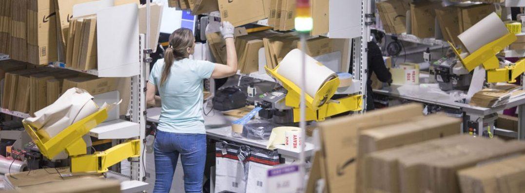 Amazon Hiring workers