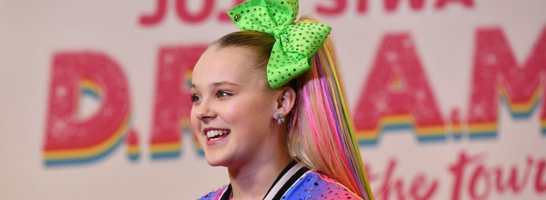 """Best. Gay. Cousin. Ever.""- JoJo Siwa Appears To Hint On S*xual Orientation"