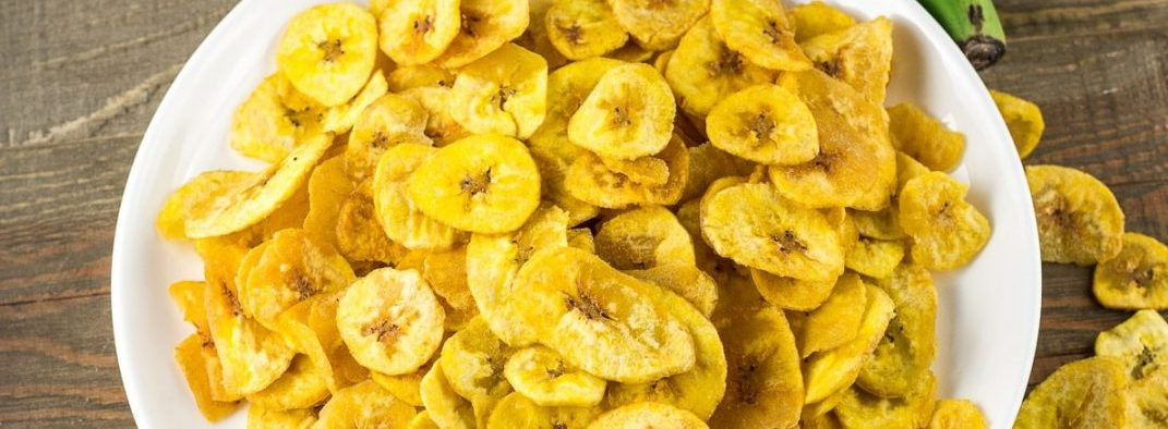 Learn How To Prepare Crunchy Plantain Chips This Weekend