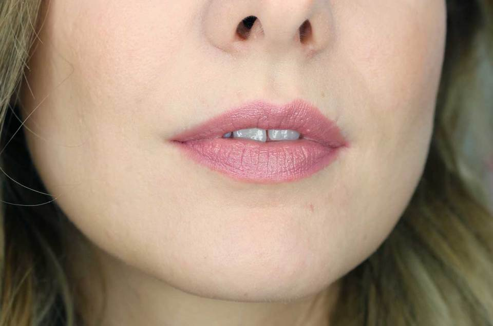 Burt's Bees Lip Crayon in Sedona Sands