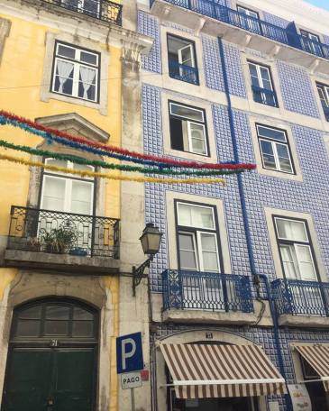 Lisbon Student Guide Travel Guide Portugal