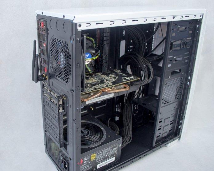 BitFenix Nova build rear