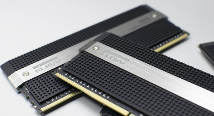 KLEVV CRAS 3000MHz 16GB DDR4 Memory Kit Review 6