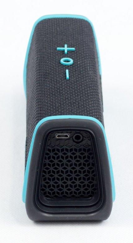 Fugoo Speaker side2