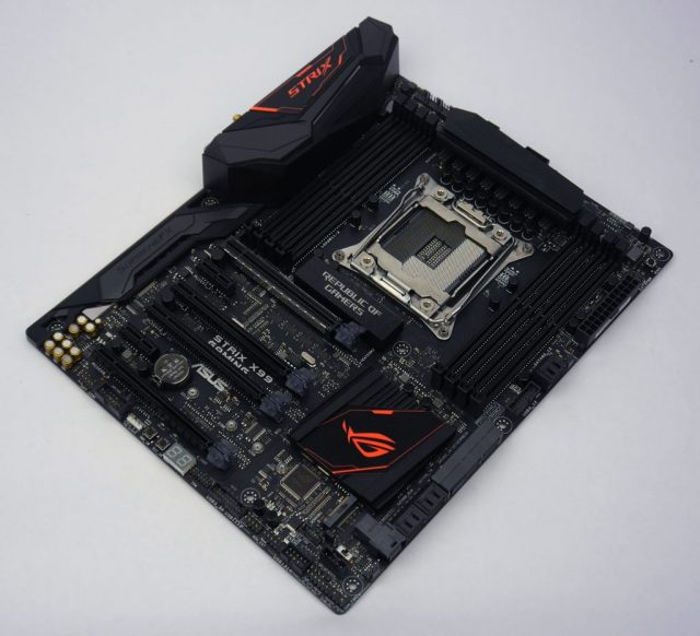 ASUS STRIX X99 Gaming - Overview