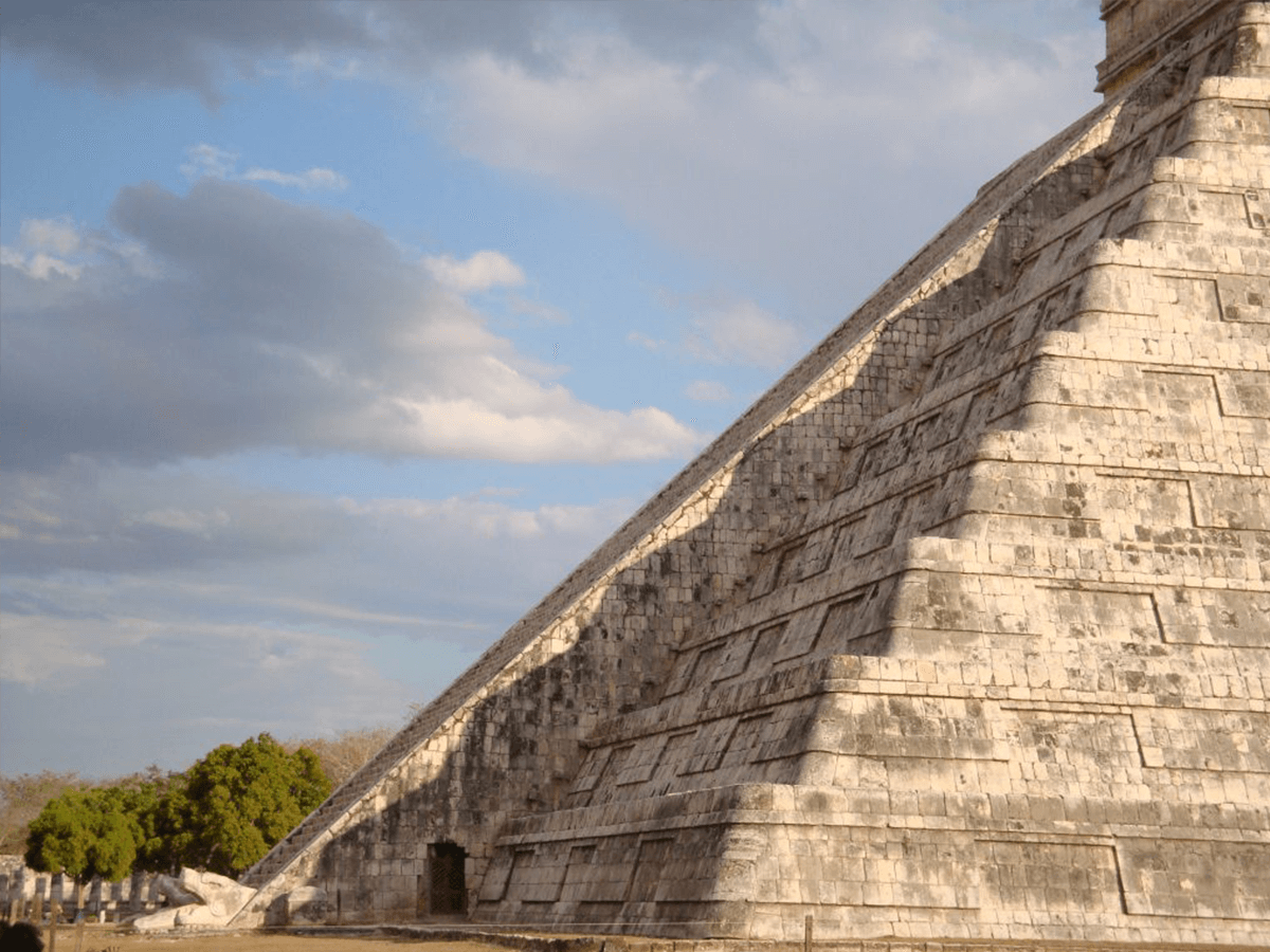 Witness the Spring Equinox Awaken the 10-Story Serpent That Slithers down Chichen Itza