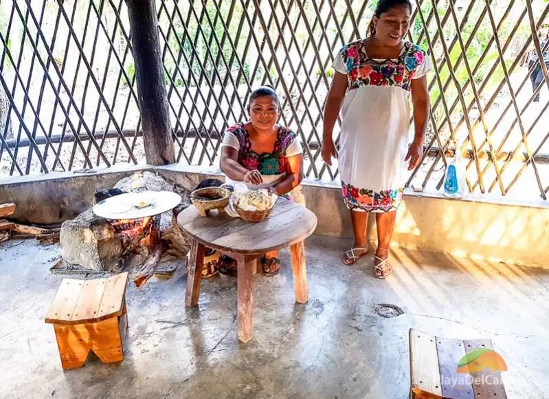 The Community of Dos Palmas