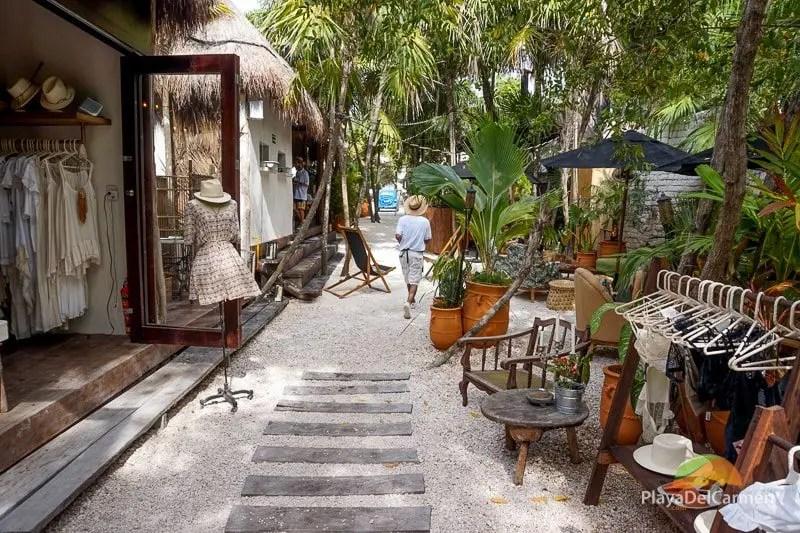 Tulum Shopping Hotel Zone