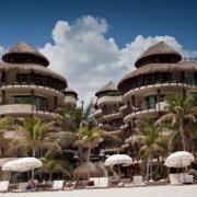 El Taj Oceanfront Condo Hotel - Buigas Travel