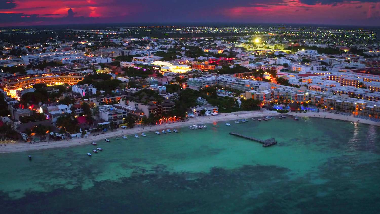 playa del carmen at night