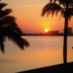 Amanecer rojizo en Playa Honda
