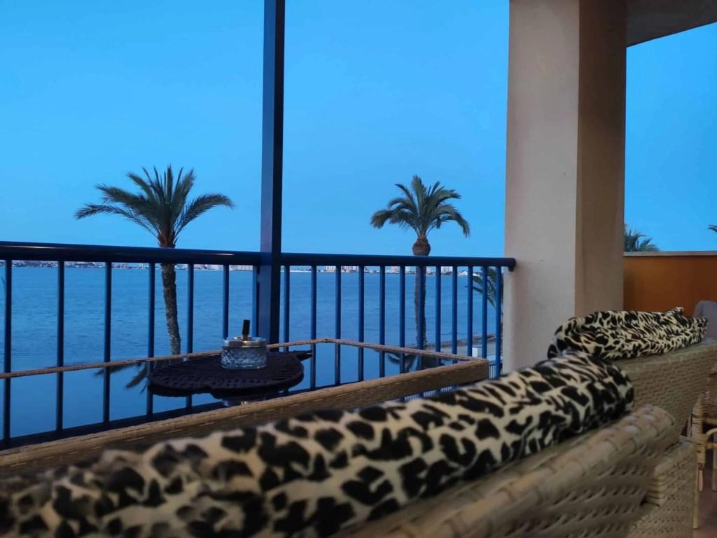 Relax en tu balcón y a disfrutar de las vistas