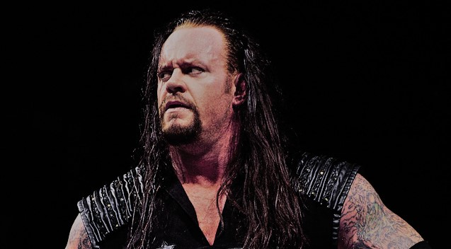WWE Rumors: WWE planning to have Undertaker win the WWE World Title for one last time