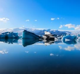 ヨークスアゥルロン氷河湖/アイスランド