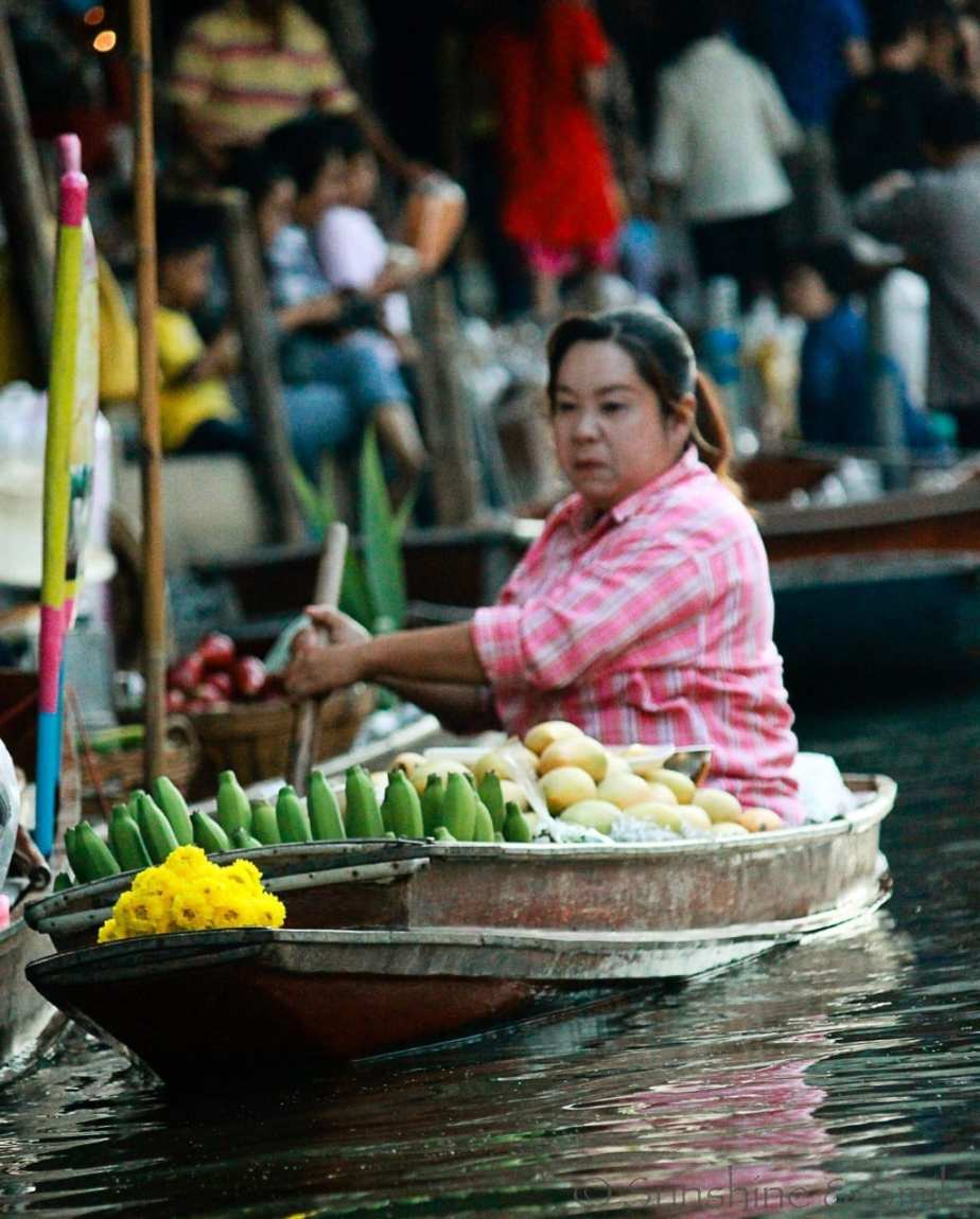 The Floating Market in Thailand 3