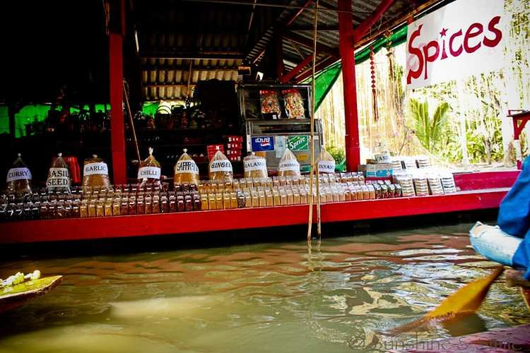 The Floating Market in Thailand 7