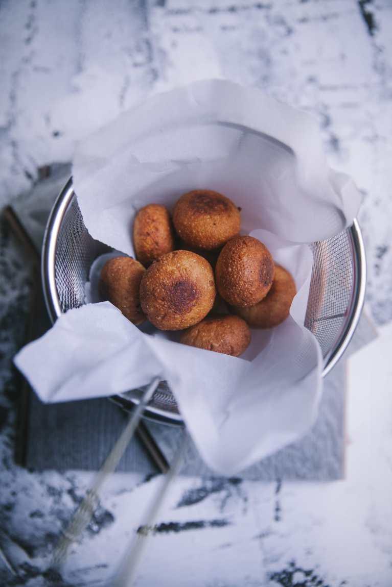 chaana kaju palak (fresh cheese dumplings in cashew and spinach) | Playful Cooking