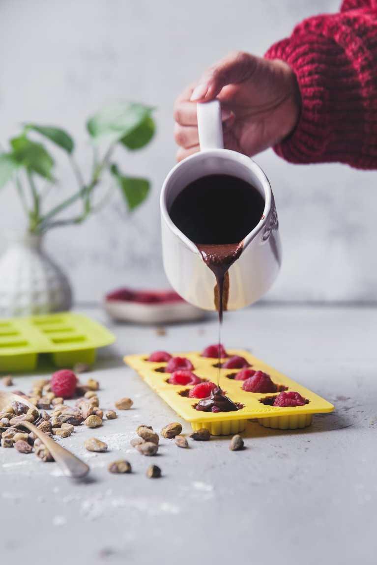 Raspberry Pistachio Chocolate | Playful Cooking #chocolate #raspberry #dessert #homemade