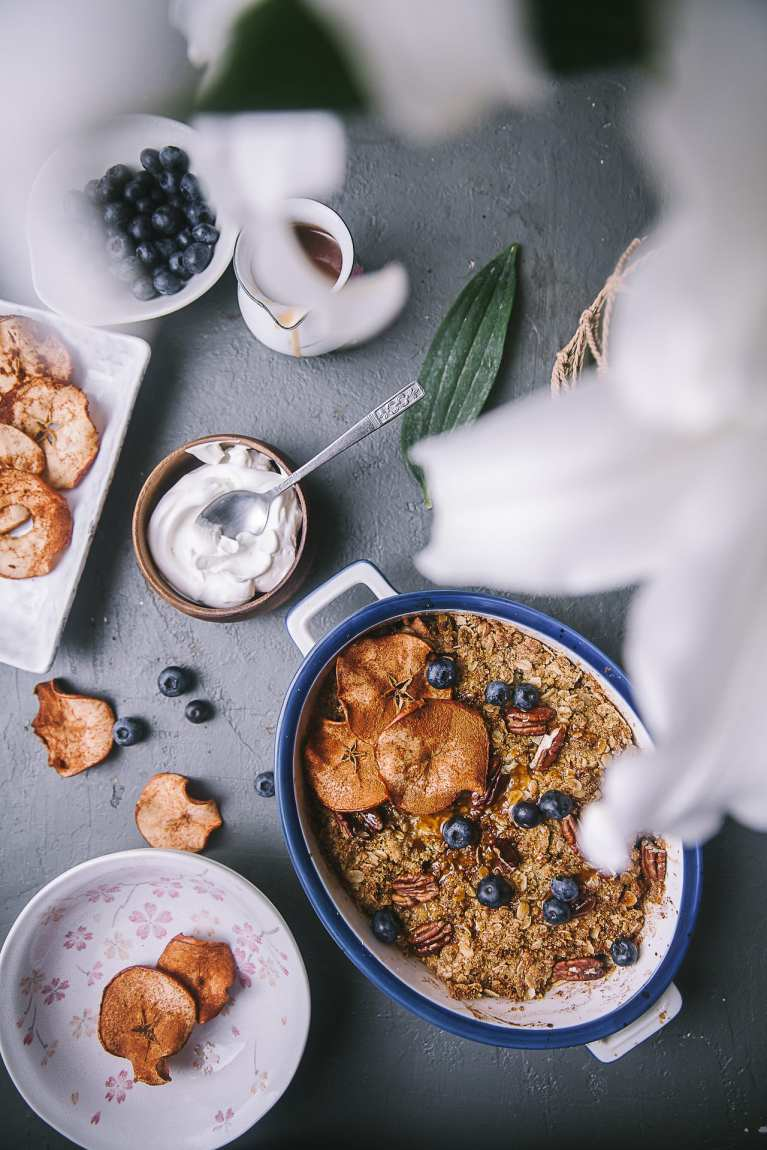 EASY TO MAKE - Apple Oats Crumble and Apple Chips | Playful Cooking #foodphotography #apple #crumble #apple chips