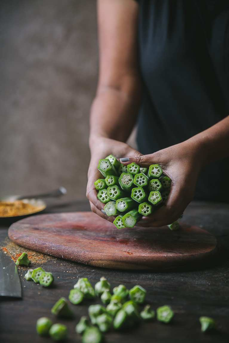 Learn how to pick fresh okra | Playful Cooking #okra #bhindi #playfulcooking #foodphtography