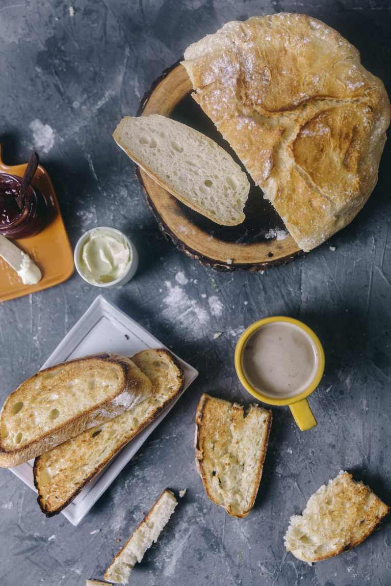 Bread sliced photography | Playful Cooking #bread #baking #food-photography #noknead
