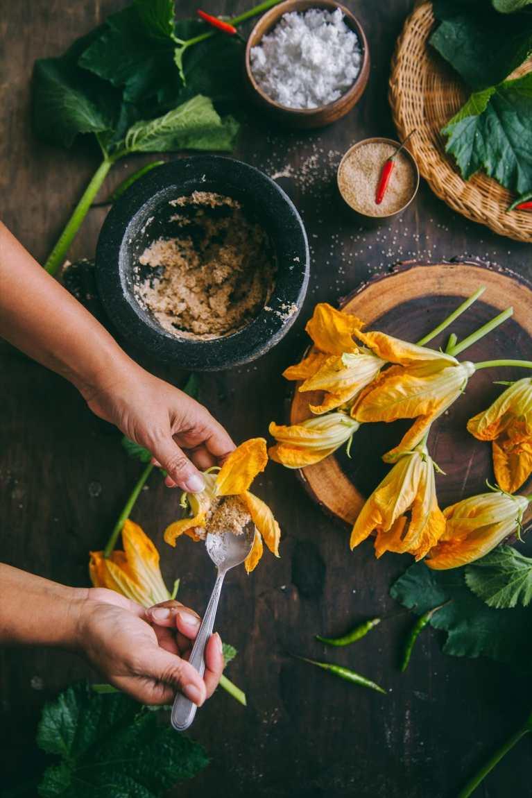 Bengali style zucchini blossoms