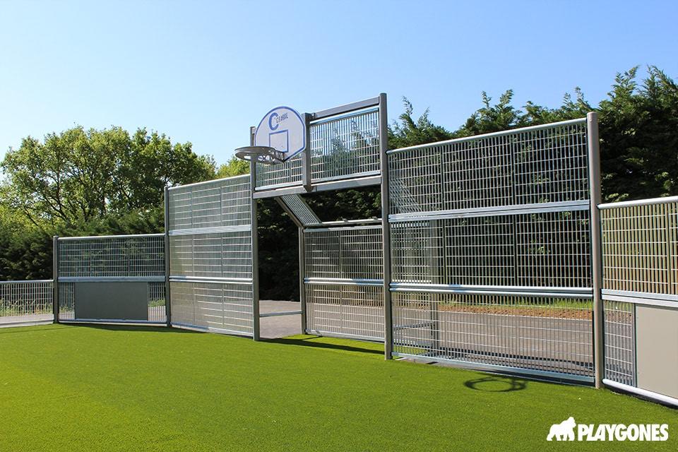 Cage du terrain multisports de Saint Georges les Bains