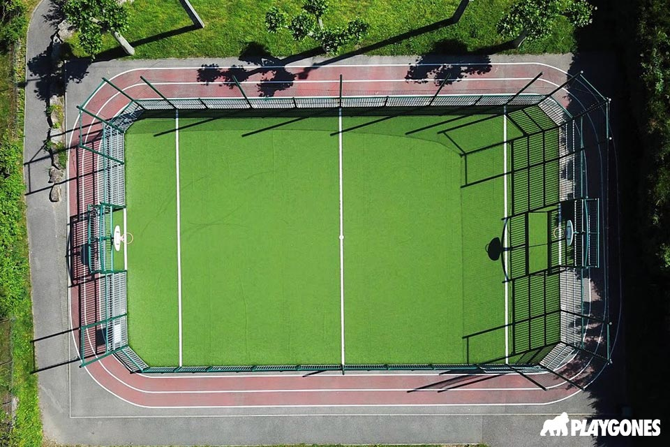 Terrain multisports vue d'un drone