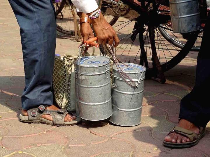 Des dabbawallahs a Mumbai en Inde