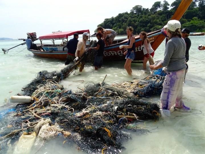 ©playingtheworld-trash-hero-kohlipe-thailande-16
