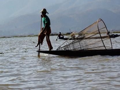 ©playingtheworld-lac-inle-pecheur-myanmar-voyage-35