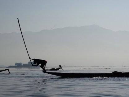 ©playingtheworld-lac-inle-pecheur-myanmar-voyage-6
