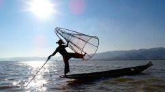 ©playingtheworld-pecheur-lac-inle-myanmar-voyage-36
