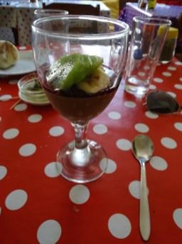 Mousse au chocolat et kiwi
