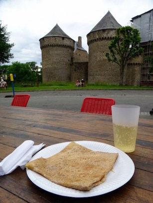 ©playingtheworld-week-end-mayenne-laval-chateau-39