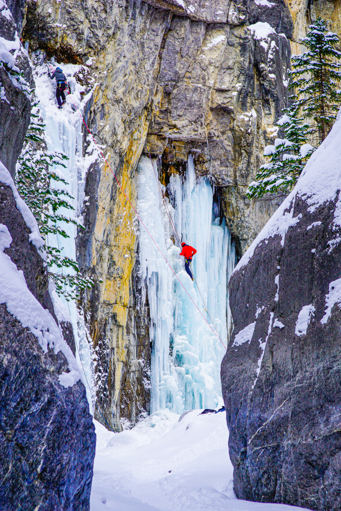 grotto and palisade falls are two beautiful waterfalls right in hyalite canyon. Grotto Canyon A Beautiful Canyon Ice Walk Near Canmore Play Outside Guide